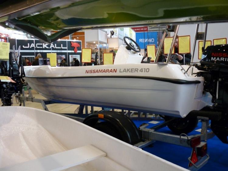 Лодки лакер цена видео