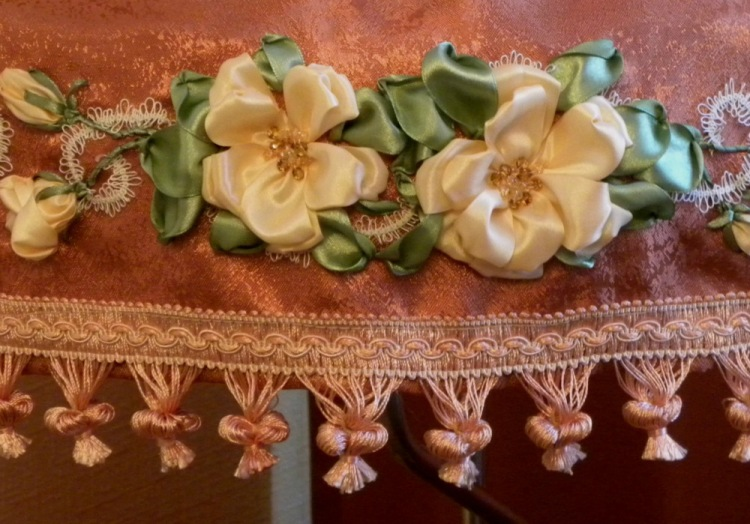 Gallery.ru / фото #137 - моя вышивка лентами-6 - pskov-sveta.
