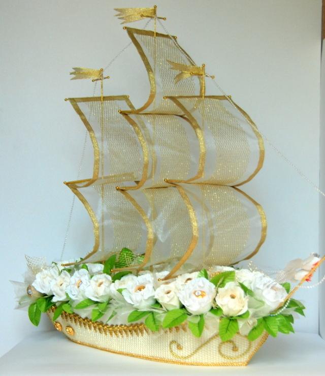 Корабль свадебный из конфет своими руками 71