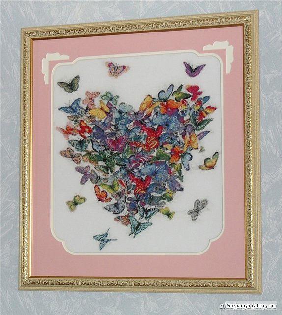Сердце из бабочек вышивка крестом 52