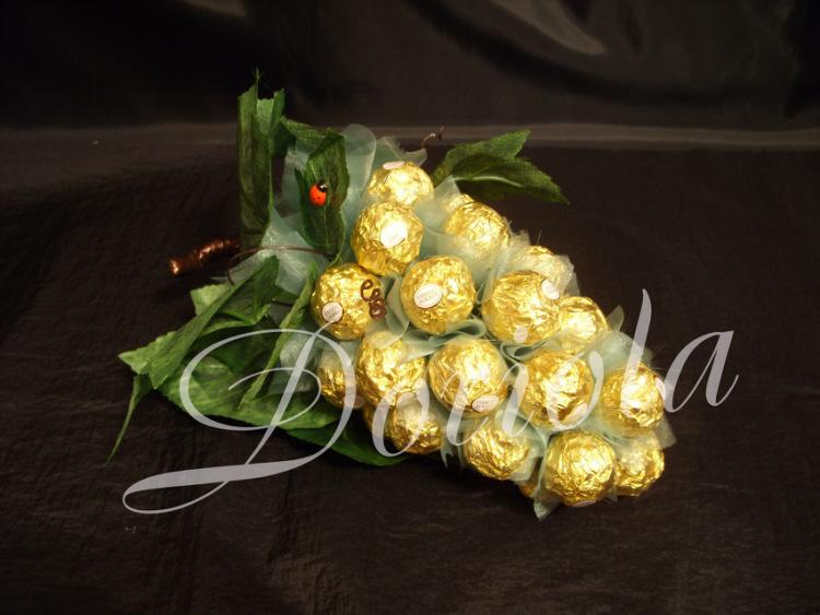 Подарки из конфет и фруктов 10