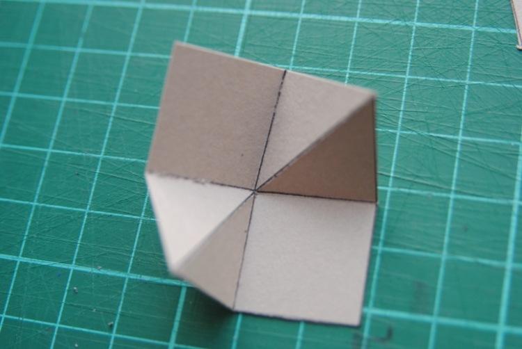 Как сделать уголки из бумаги для фотографии на