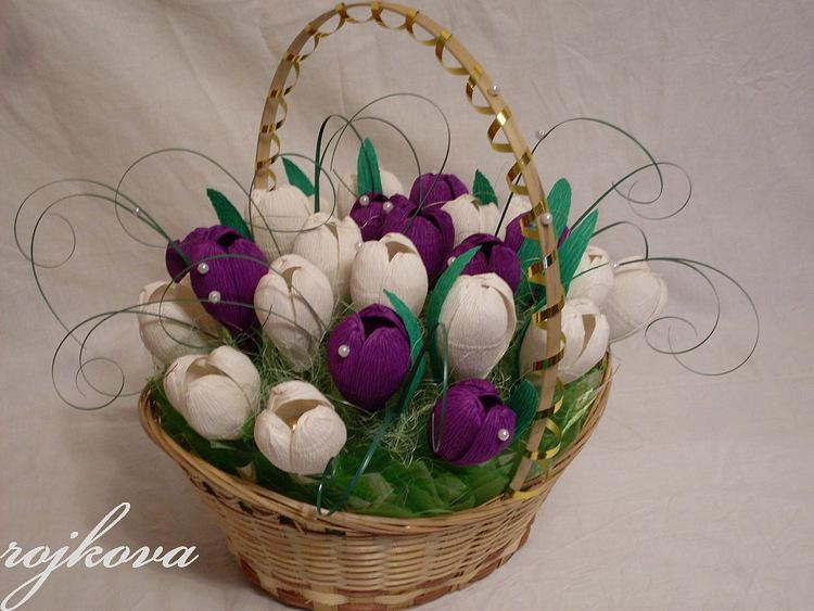 Тюльпаны из бумаги в корзинке своими руками 95