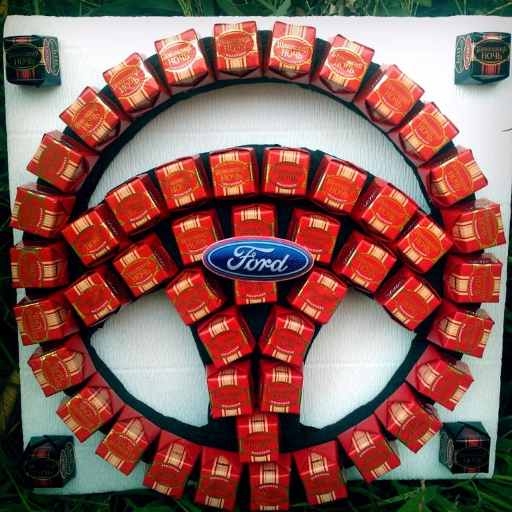 Руль из конфет пошагово своими руками 11