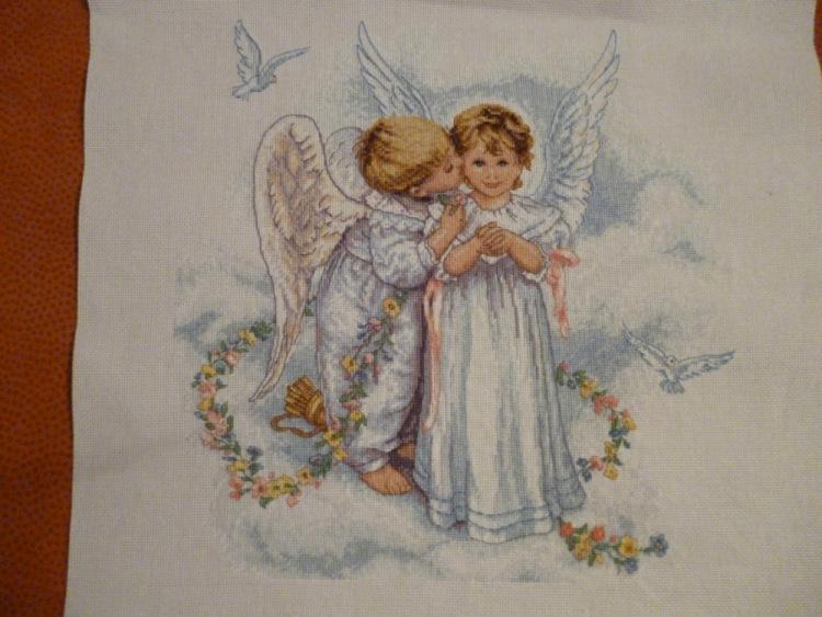 Вышивка поцелуй ангелов 52